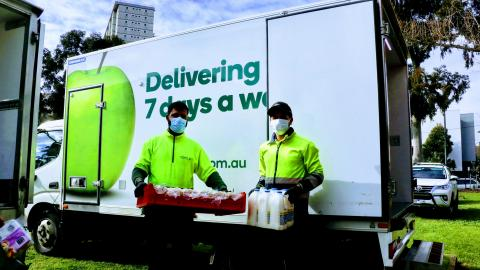 Woolworths, Foodbank & FareShare rally together to support Melbourne Tower residents with fresh food relief