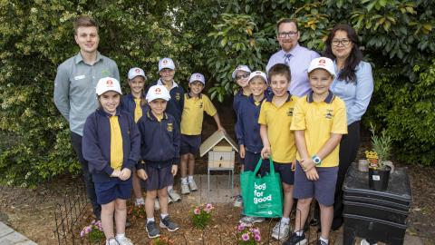 Woolworths Junior Landcare Grants helps 100,000 Aussie students to get hands-on in environmental projects
